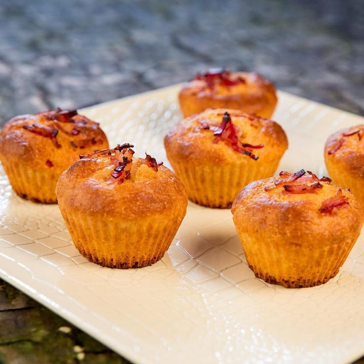 What are these delights? Bacon Corn Muffins? Yes please!  INGREDIENTS 1 cup (140 grams) flour 1/2 cup (75 grams) #cornmeal 1 egg 1 tablespoon mustard 3 tablespoons sour cream 1/4 cup (65 ml) milk 3 #bacon slices chopped  PREPARATION Preheat the oven to 360F/180C. Sift the flour through a strainer in a large bowl. Mix it with cornmeal. Add the egg mustard sour cream and mix. Whisk it until smooth. Use a 6-slot muffin tray and fill its empty slots with the muffin mixture. Add around 1/2 slice…