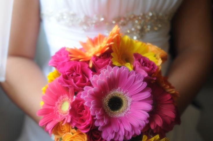 A Gerbera Daisy Wedding - Bing ImagesGerber Daisies, Bridal Bouquets, Gerbera Bouquets, Wedding Bouquets, Gerbera Daisy, Bing Image, Pretty Flower, Bridesmaid Bouquets, Gerbera Daisies Wedding