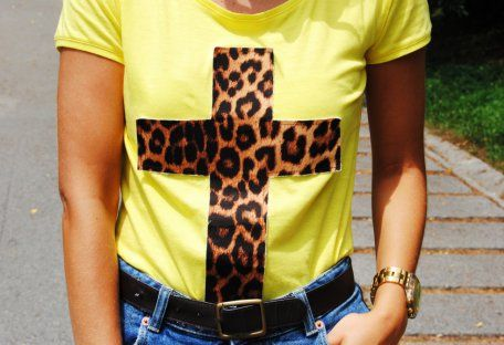 Camiseta Amarilla   la pantera lola , Primavera-Veranoo 2013. En el armario de lapetiteblonde desde el 24-7-2013