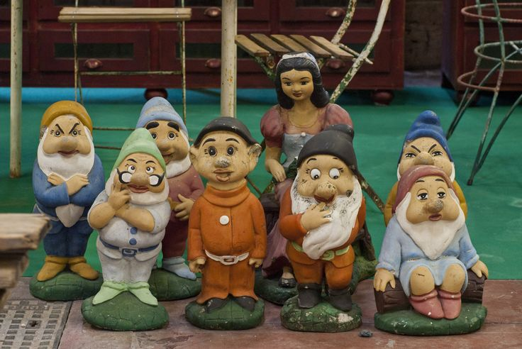 Snow White and the seven dwarfs - #garden gnomes