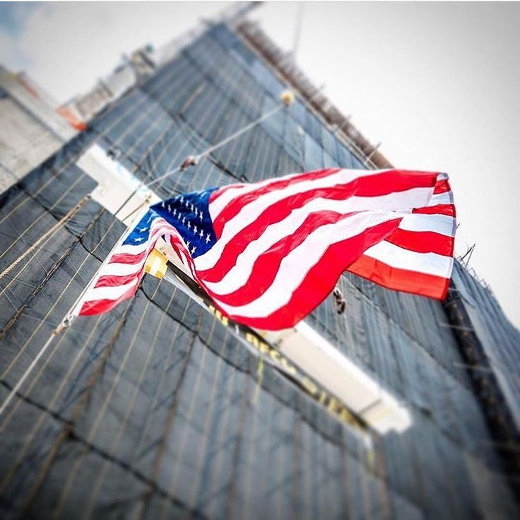 REPOSTED from @turner_nyc    Building America!  #Construction #constructionworker #constructionsite #weldporn #welder #welding #maga #build #makeamericagreatagain #america #ironworker #union #unionpride #electrician #carpentry #carpenter #crane #equipmentoperator #plumber #pipefitter #mason #masonry #apprentice #journeyman #f4f #photooftheday