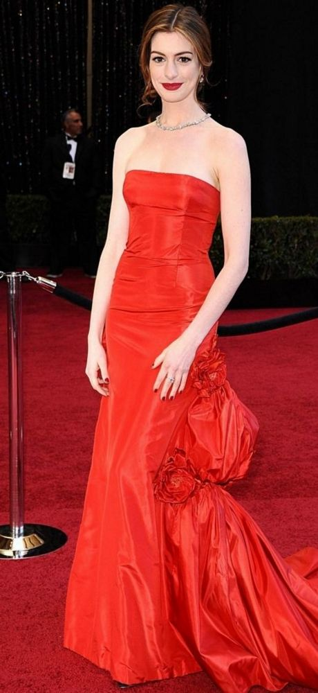 http://celevs.com/anne-hathaway-fashion/ - Picture: Anne Hathaway hosted the 83rd Academy Awards on February 27, 2011 at the Kodak Theatre in Hollywood, Los Angeles.