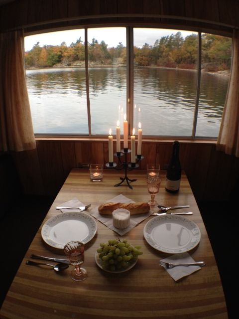 Houseboat Holidays http://www.canadahouseboating.ca/rentals/houseboat-holidays/