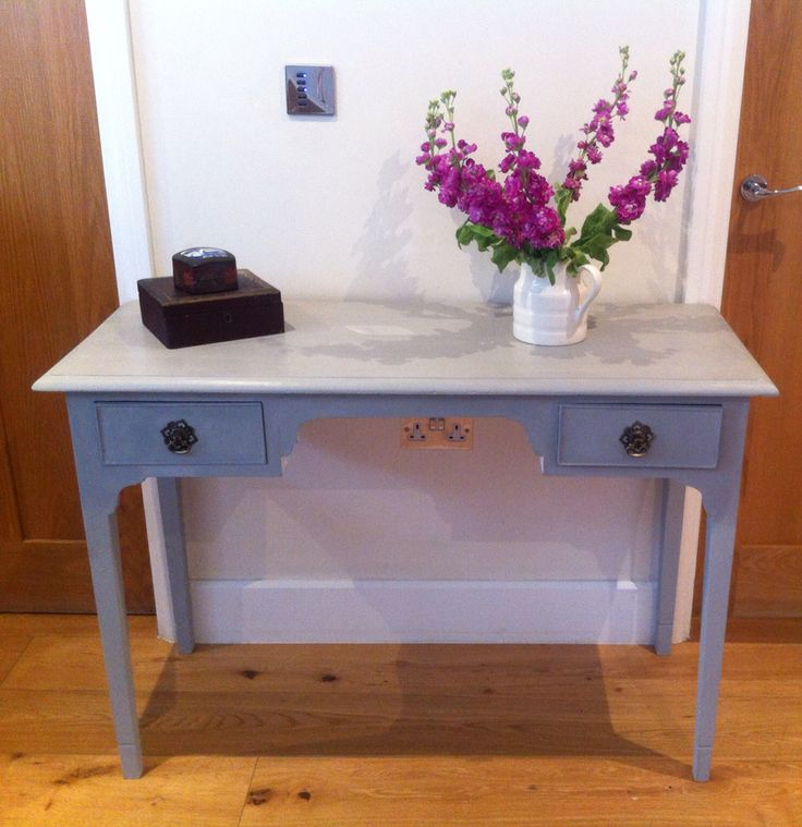 Paris grey console