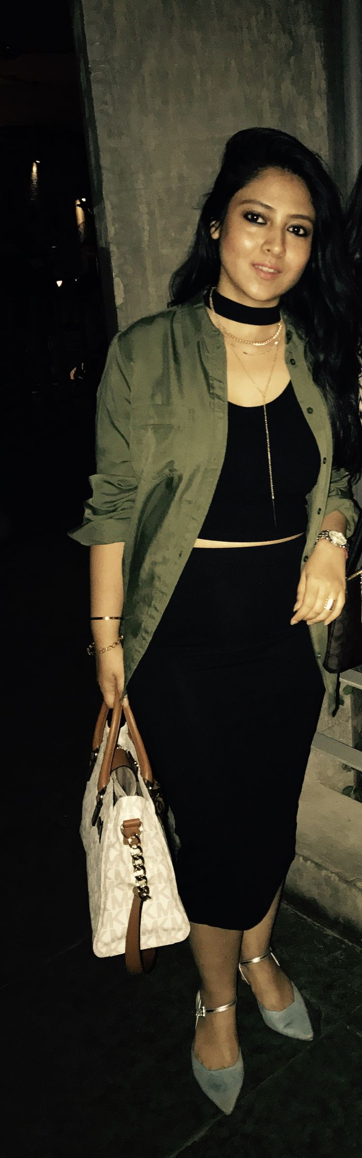 Trending outfits of 2017, green shirt, pencil skirt, chic summer outfits, fashion for healthy women, outfits for short girls, fashion for pear shaped women, choker top, latest clothes in fashion, crop tops, hide your fat, outer wear to cover your flaws, Kim kardashian fashion styling, kitten heels, how to look slim in clothes, latest trends this summer
