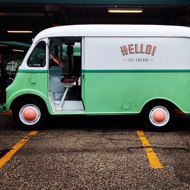 Love, love this 1950's Metro step van ice cream van of @helloitsicecream from Ann Arbor Michigan.  pic by @hellopidgepidge
