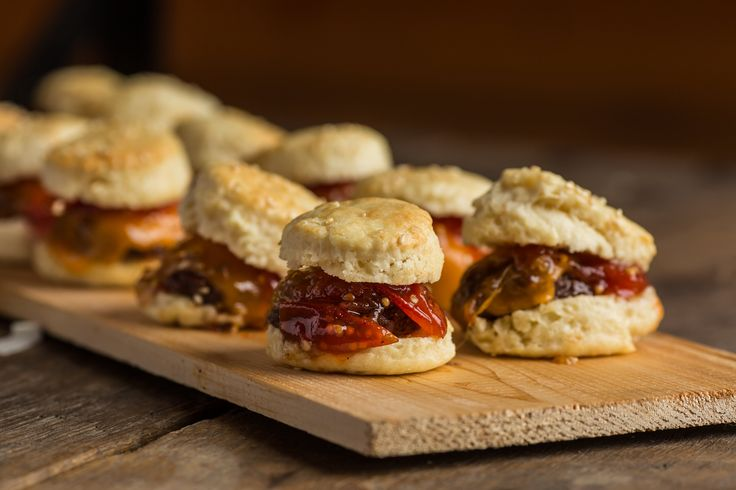 Beef Slider + Buttermilk Biscuit, Smoked Cheddar and Grape Tomato Jam. All made in-house and from scratch at Temple's Sugar Bush. Venue: www.templessugarbush.ca Photo Credit: www.unioneleven.com