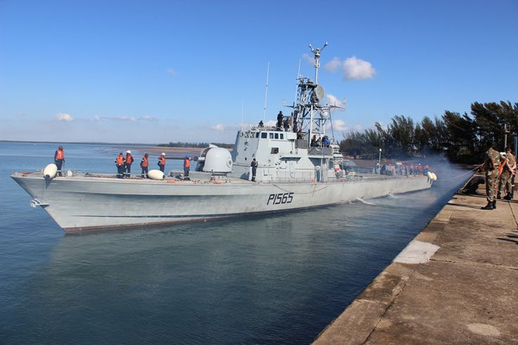 South African Navy SAS-ISAAC-DYOBHA coming alongside Richards Bay Harbour