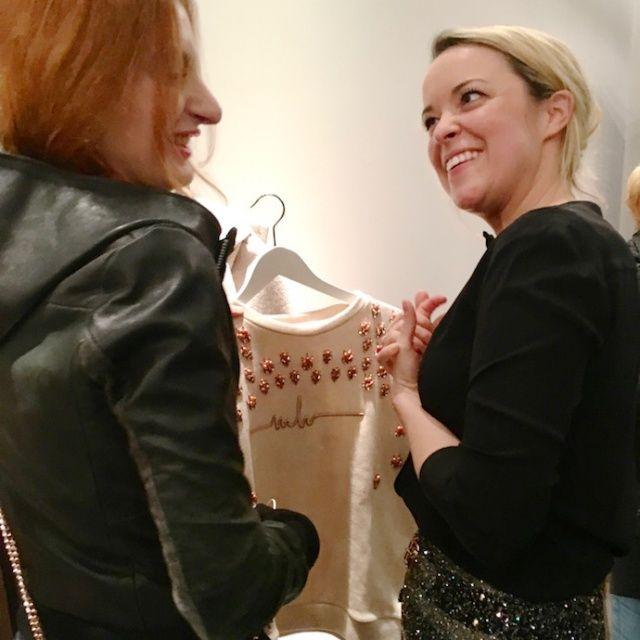 Fashion Sale in Berlins Mitte. Marina Hoermanseder Shootingstar der Berliner Designer Szene eröffnete gestern Abend einen Pop-Up Store am Gendarmenmarkt. In den nächsten zwei Wochen (15. bis 31. Mä…