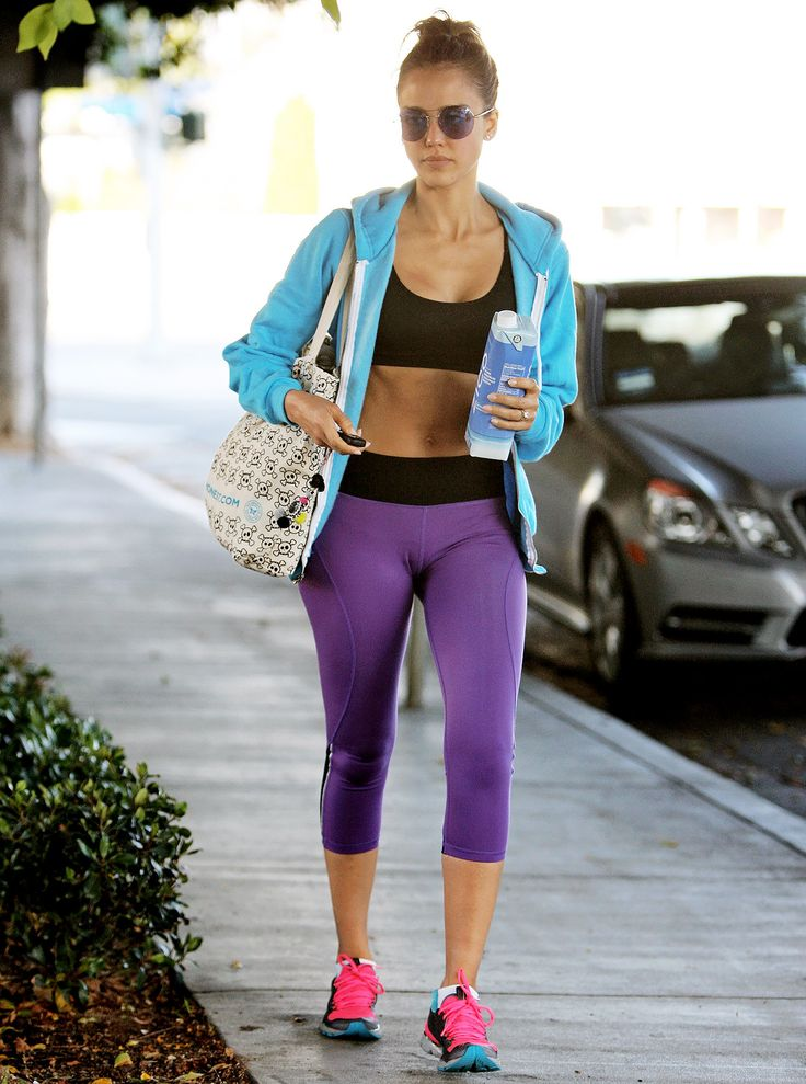 Jessica Alba Looks Amazing Post-Workout, Reveals Toned Stomach: Picture