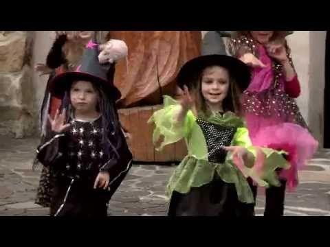 Míša Růžičková - Strašidla (Cvičíme s Míšou) - YouTube