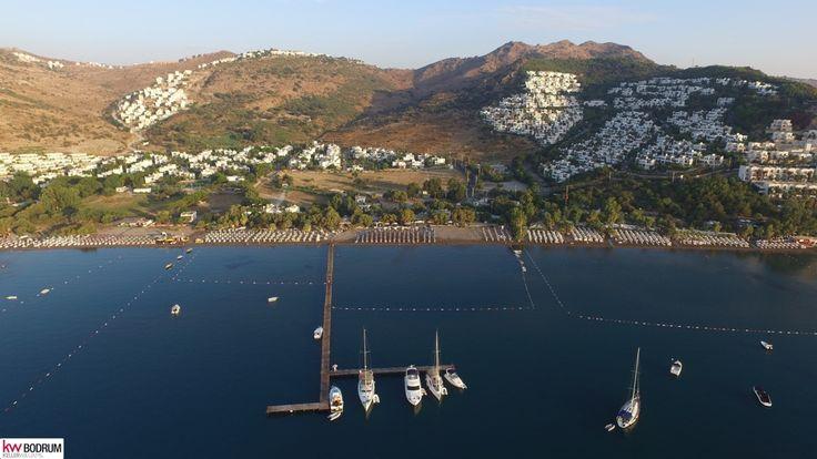 http://www.sahibinden.com/ilan/emlak-arsa-satilik-kw-bodrum-tek-yetkilidir-denize-sifir-imarli-arsa-camel-beach-225831120/detay