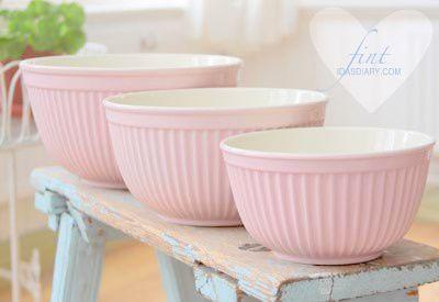 Pretty pastel bowls...
