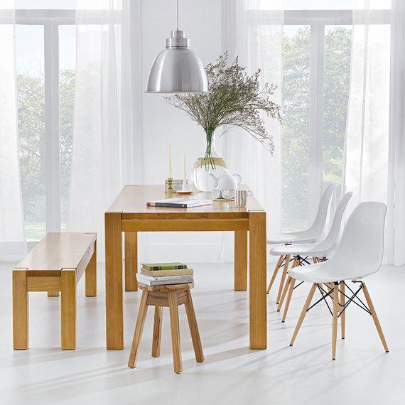 mesa de jantar com banco e cadeiras. gostei do pendente também.  banco: http://www.tokstok.com.br/vitrine/produto.jsf?idItem=8254&bc=1005,1294  mesa: http://www.tokstok.com.br/vitrine/produto.jsf?idItem=5518&bc=1005,1286  cadeira: http://www.tokstok.com.br/vitrine/produto.jsf?idItem=5858&bc=1  poltrona: http://www.tokstok.com.br/vitrine/produto.jsf?idItem=8470&bc=1