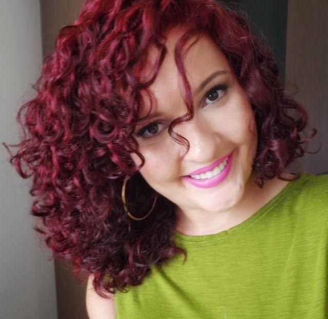 Blog com dicas de beleza sobre cabelos cacheados, maquiagem e cosméticos. | Cachos in 2019 | Curly hair styles, Hair makeup, Red hair