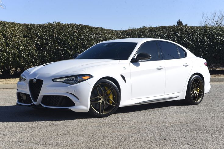 Is this a sexy Italian version of the modern sports sedan? Our friends at Oklahoma's #SuperiorConcepts equipped this #AlfaRomeo #Giulia sedan with 19x8.5/19x10 #Forgeline one piece forged #monoblock #EX1 wheels finished in our Medium Bronze Anodized power coat! See more at: http://www.forgeline.com/customer_gallery_view.php?cvk=2045
