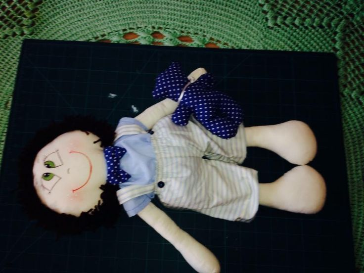 Boneco Gui -Cuddly soft bodied baby doll ,Suitable for all ages