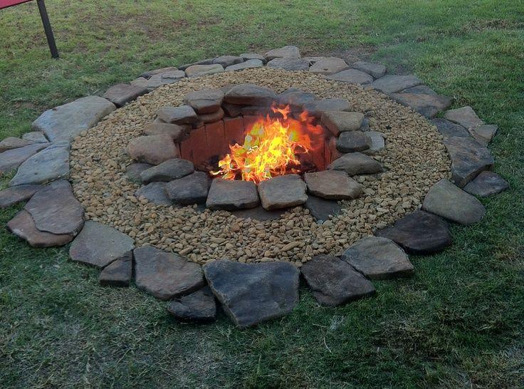 inexpensive fire pit affordable backyard ideas pinterest feu de camp feu et am nagement. Black Bedroom Furniture Sets. Home Design Ideas