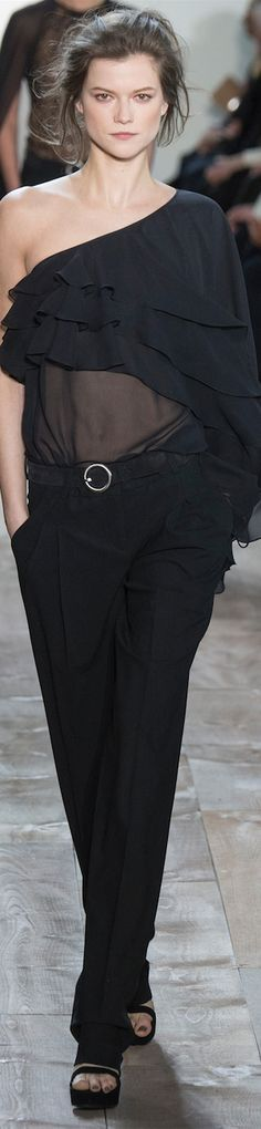 Accessori per abito nero 9 serial
