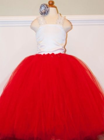 For a luxurious elegant look our Dreams Red Tutu dress makes any occasion fancy! Perfect for the parties and special ocassions this beautiful Dreams Red Tutu dress simply enchants and spreads its magic. It is made with yards of red flowing tulle for the skirt and satin top giving comfort to body. Shop now : http://www.foreverkidz.in/Girls-Party-Wear/Dreams-Red-Tutu-Dress-id-1233672.html