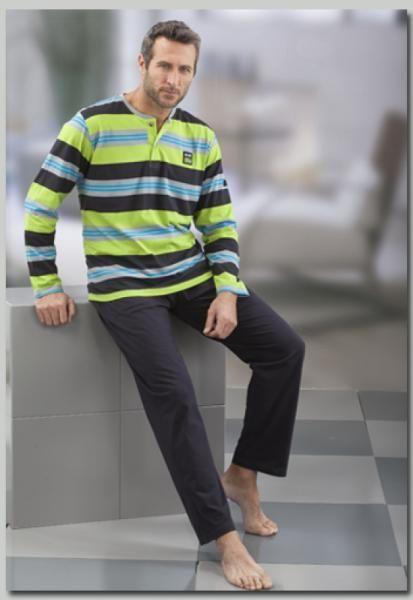 Cotton green men pyjama from the Spanish brand Massana.  http://www.ebay.es/itm/Pijama-Hombre-Massana-Verde-100-Algodon-P631331-/321242170878?pt=ES_Ropa_para_hombres&var=&hash=item76c8ec322e