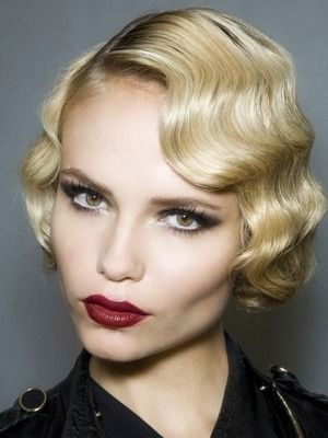 Flapping in the 20s with this finger wave hair-do