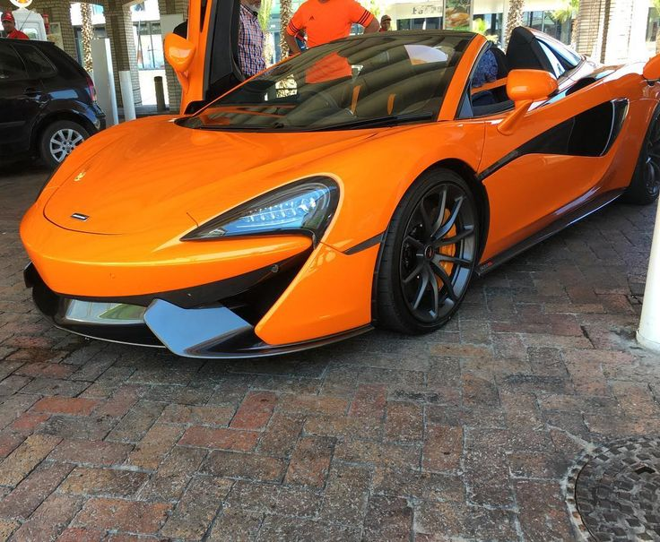 The brand new 570S Spider in Cape Town was spotted this weekend by @aaisha.m_