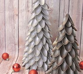 Plastic Spoon Christmas Trees... great project for Shelby and i over deer hunting weekend