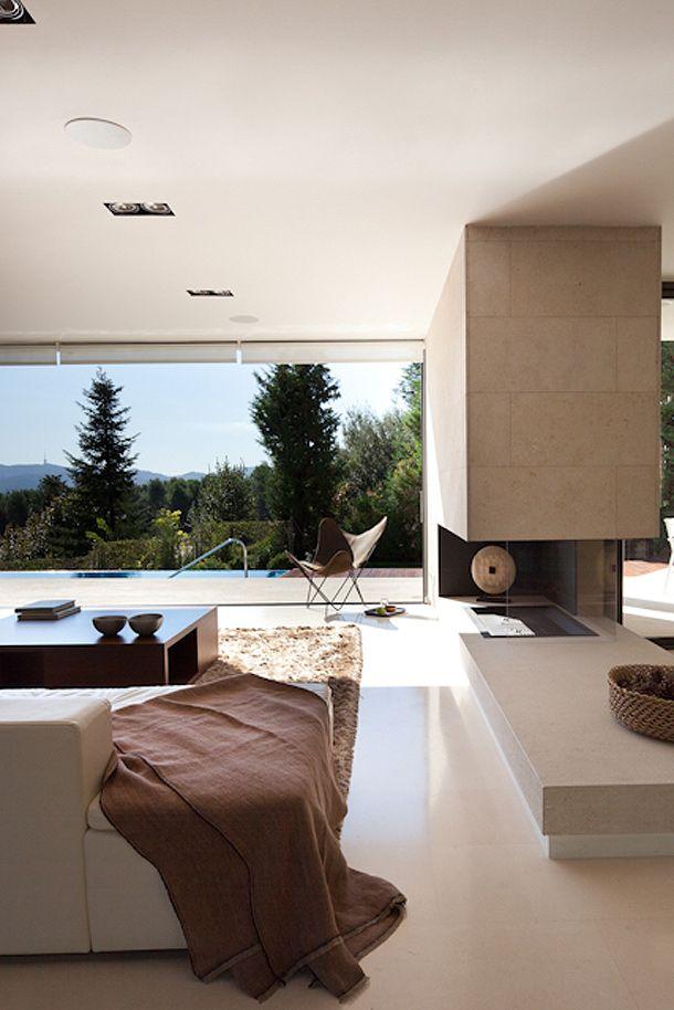 Damit Dieses Ziel Erreicht Wird, Mussten Die Inhaber Mehrere Veränderungen  Vornehmen. Die Räume Wurden Geleert Und Neuer Grundriss..Moderne Holz  Residenz