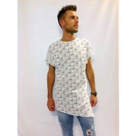 maglia t-shirt con fantasia barche, fondo bianco, 100% cotone