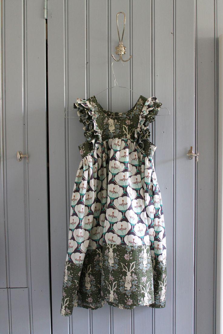 Niinan unelmia: Kylpyhuoneen säilytyskaapisto & maailman kaunein mekko