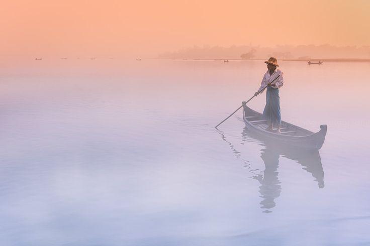 https://flic.kr/p/wBJuRc | Misty Dawn. Amarapura, Myanmar | Fisherman in the mist at dawn on Taungthaman Lake near Amarapura, near Mandalay, Myanmar.