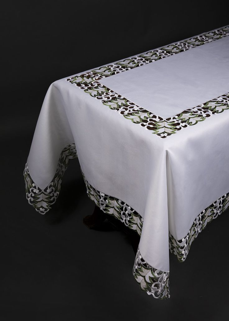Tannenbaum Embroidered Cutwork Holiday Tablecloth