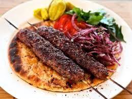 Adana yöresinin en güzel tatlarından Adana Kebabı…http://www.mutfaknotlari.com/adana-kebabi-nasil-yapilir.html