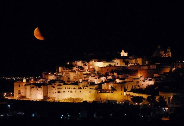 """Good night from Ostuni, the """"white town"""" Discover #Apulia with YITA! www.yitaproject.com"""