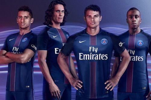 Les Nouveau maillot PSG 2017,Le capitaine Silva est ses coéquipiers porteront ce maillot au Parc des Princes en Ligue 1 la saison prochaine.
