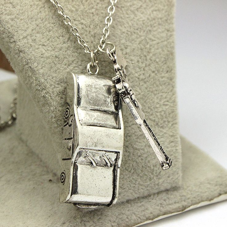 Supernatural Dean Winchester Car With License Plate Pendant