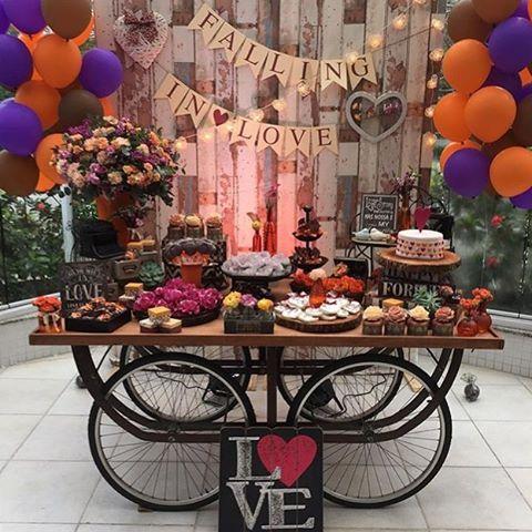 @madamefesteira arrasou nesse projeto de um chá de panela especial ! ❤️ Em foco a nossa mesa com rodas de bicicleta. #chadepanela #chabar #cha #festa #vamosfestejar #noivasrj #noiva #casamento #miniwedding #wedding #assessoria #casar #rj #riodejaneiro #decor