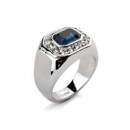 Cincin Perak Pria Gibabur Blue Sapphire Cincin Perak Pria Gibabur merupakan cincin berbahan perak berkualitas 925, dengan model simple, berhiaskan sebuah batu blue sapphire kotak serta dihiasi dengan taburan diamond pada sekeliling batu sapphire  detail http://dodolperak.com/cincin-perak/cincin-perak-pria-gibabur-blue-sapphire.html