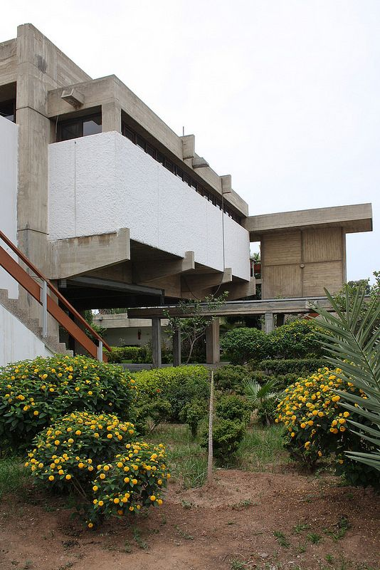 Post-Corbusian, brutalist Law Courts Agadir/Morocco 1967-68 by Elie Azagury (1918-2009), built after the 1960 Agadir earthquake