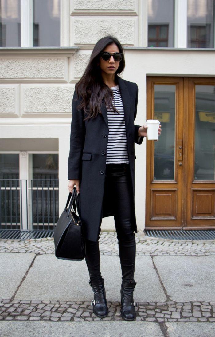 kombination mit schwarzer lederhose und schwarzer mantel