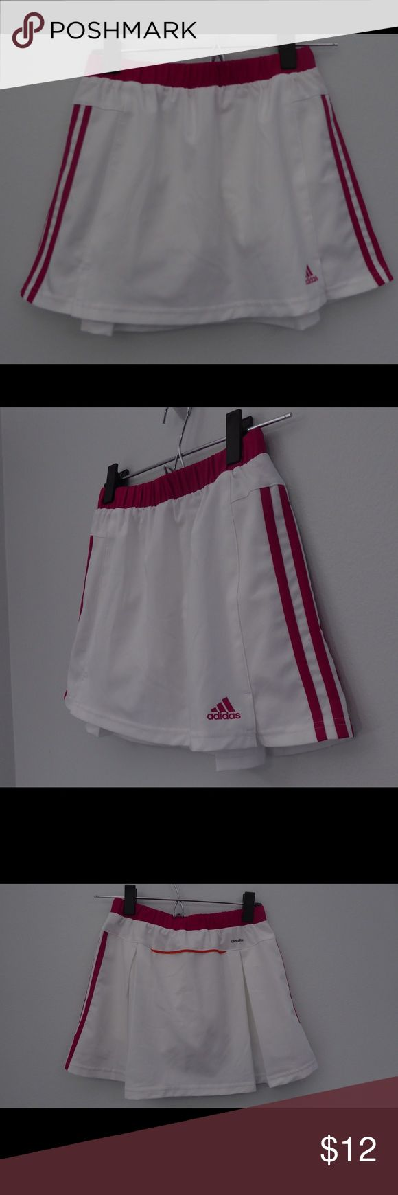 Girls Medium ADIDAS  Sports Skirt With Shorts Great active skirt for girls! White with pink stripes   Measurements: Medium - waist 11 flat with elastic, length 13. Nonsmoking home. Fast shipping! Adidas Bottoms Skorts