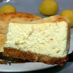Tarta cremosa de limón #tarta #poestre #receta | https://lomejordelaweb.es