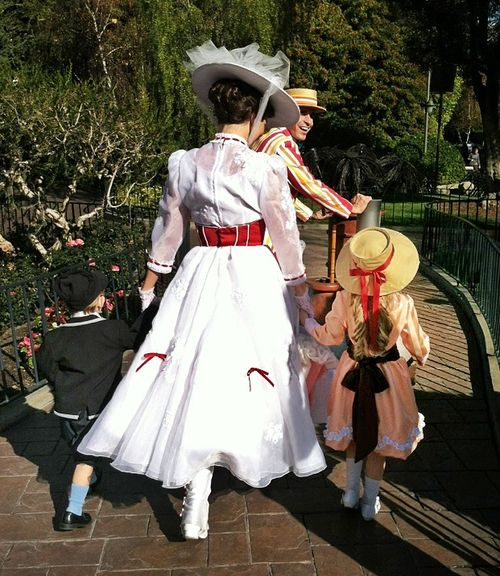 thegingeraffe:    anything-yourheart-desires:      peggycress:      Jane and Michael Banks going on a walk with Mary Poppins and Bert.      I really can't handle this.        They are the movie.