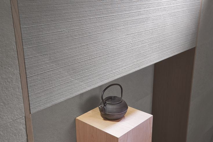 These wall tiles are available in a range of colours and shapes which go perfectly with a minimalist style. Khan is inspired by the 'Pietra di Cardoso' - an intense grey stone with blue hues. Sometimes, mixed with nuances of shade on top of shade, and light veining in a very light grey tone. Discover Khan, also available in floor tiles . *In the image Khan Art beige 40 x 120 by Casainfinita. http://bit.ly/CasaInfinita-Khan