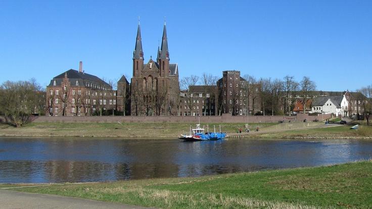 Het Veerpont van Baarlo naar Steyl  (Limburg) Nederland