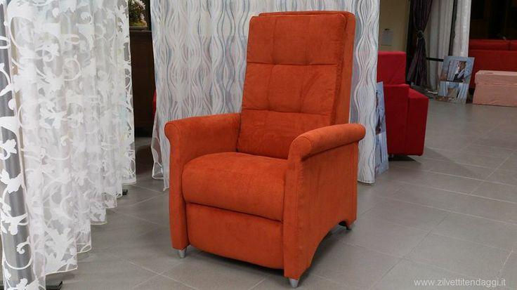 Poltrona 2 motori alzaperosna relcinabile con massaggio shiatsu, in offerta su http://www.zilvettitendaggi.it/offertepoltrone.html