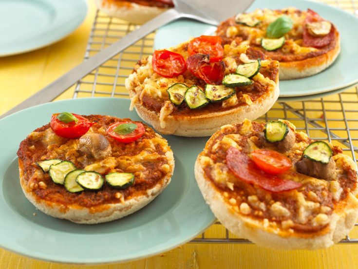 Vegetarian Mini Muffin Pizzas after school recipie that Evie can help with