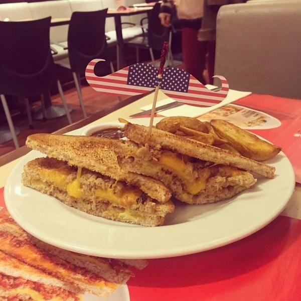 Los sandwiches americanos de VIPS. ¡impresionantes!!