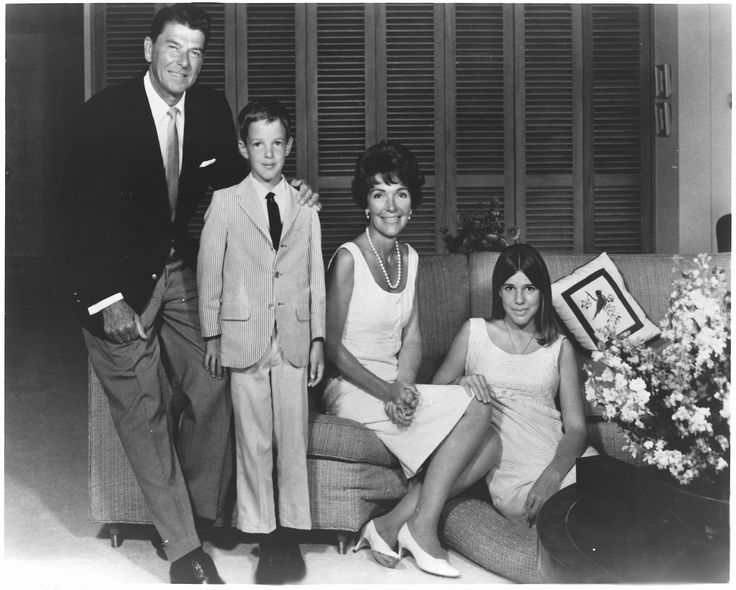 The Reagan family in 1967, from left to right: Ronald Reagan, Ron Reagan, Nancy Reagan, and Patti Reagan